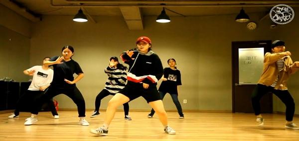 더댄스 얼반힙합반 수업영상